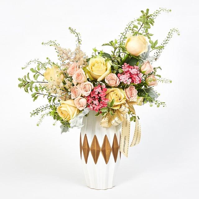Lovely Fantasy Table Flowers